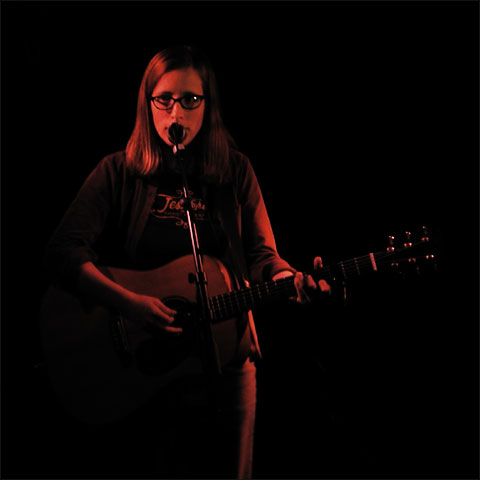Laura Veirs by Laurent Orseau - Guinguette Pirate - Paris, France - 2004-03-11 #1
