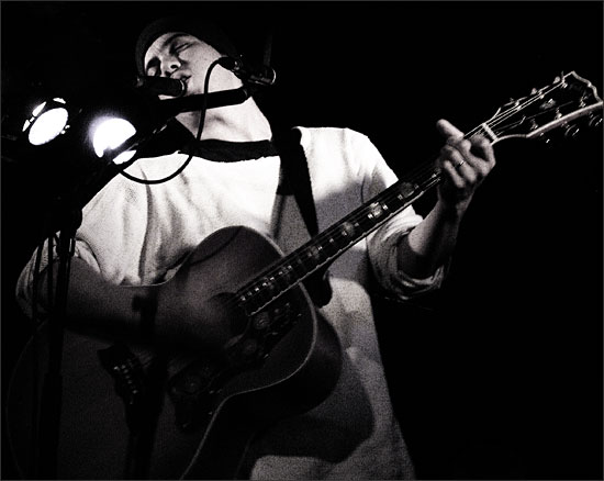 M. Ward by Laurent Orseau - Guinguette Pirate - Paris, France - 2005-02-16 #3
