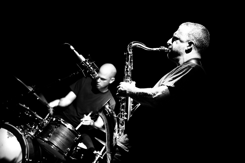 Rodrigo Amado & Chris Corsano by Laurent Orseau - Les Ateliers Claus - Brussels, Belgium - 2016-09-27 #1