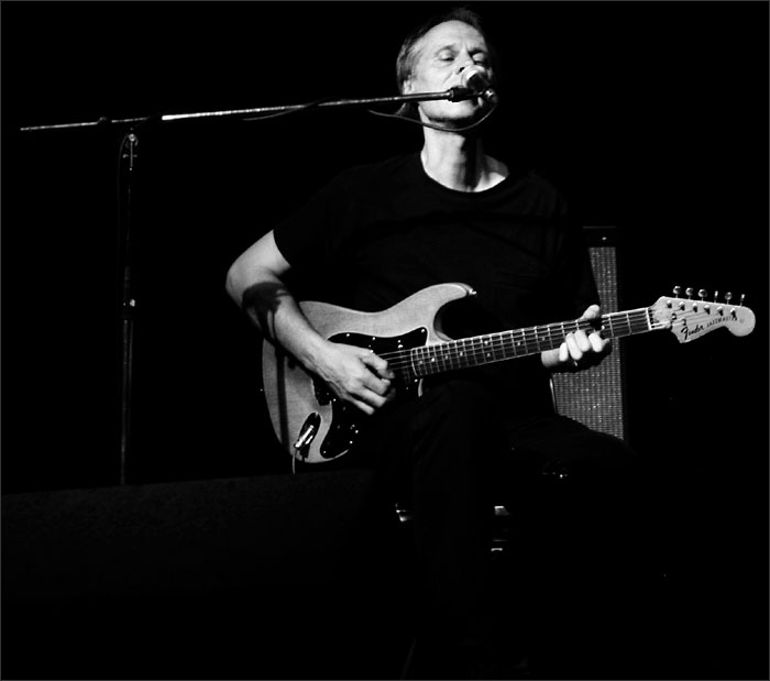 Tom Verlaine with Jimmy Ripp by Laurent Orseau - Brotfabrik - Frankfurt am Main, Germany - 2006-07-18 #2