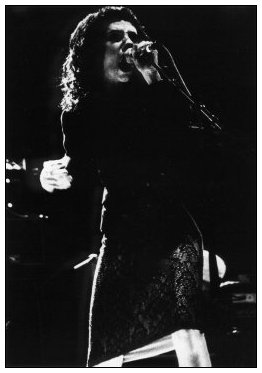 PJ Harvey by Laurent Orseau - La Route du Rock - St Malo, France - 1998-08-16 #2