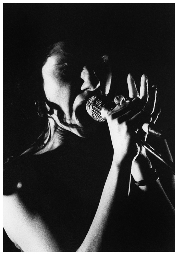 PJ Harvey by Laurent Orseau - Le Cabaret Sauvage - Paris, France - 1998-09-14 #1