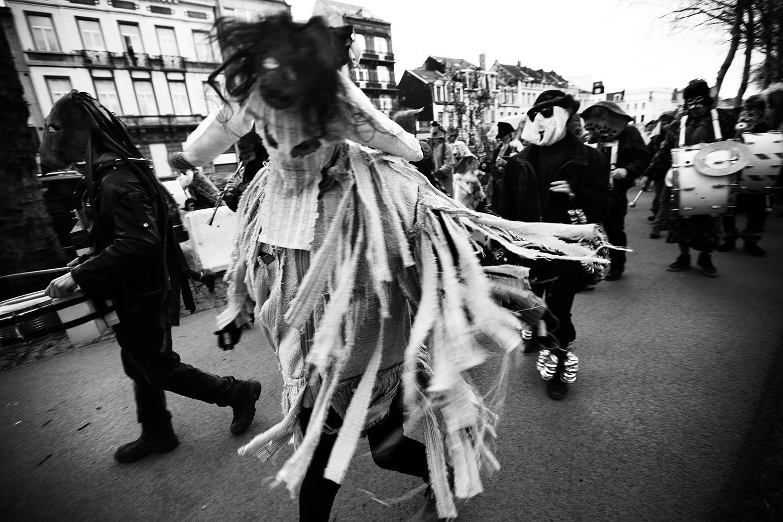 Carnaval sauvage de Bruxelles 2019 (Black & White) by Laurent Orseau #16