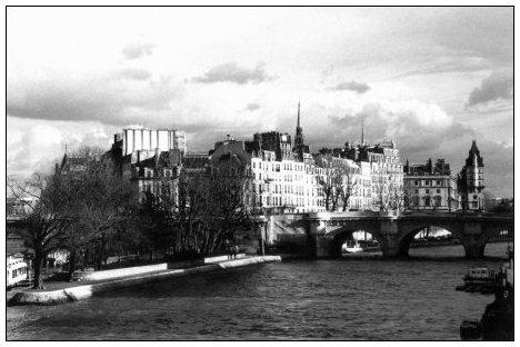 Quais de Seine, Paris, France by Laurent Orseau #20