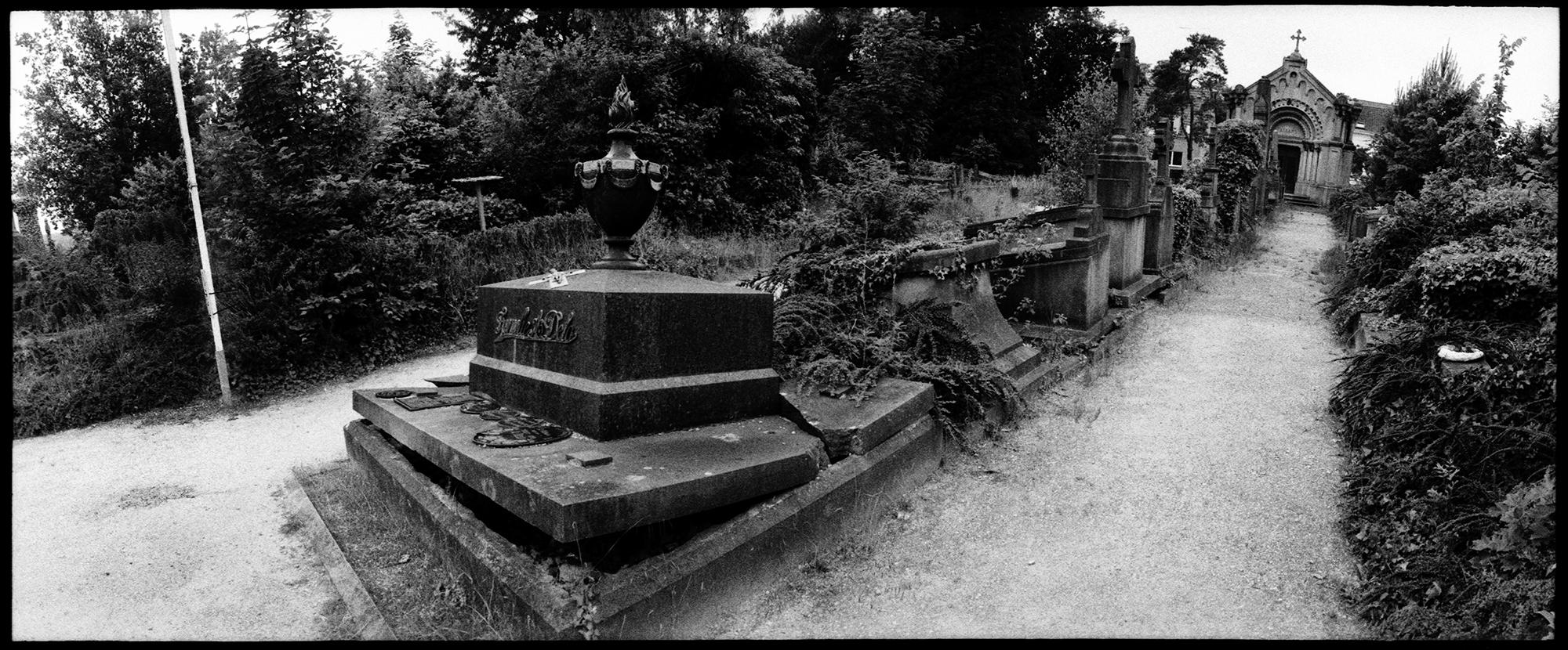 Dieweg Cemetery by Laurent Orseau #47
