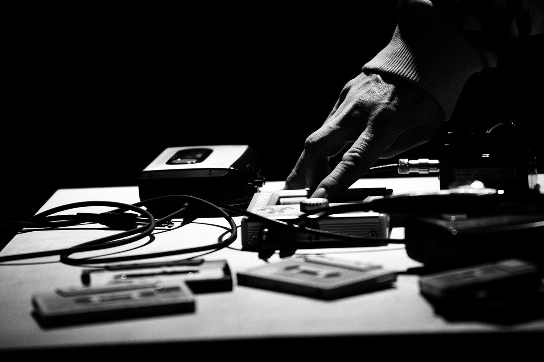 Aki Onda by Laurent Orseau - Concert - Les Ateliers Claus - Brussels, Belgium #13