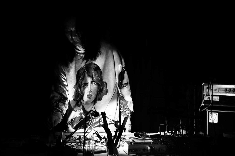 Aki Onda by Laurent Orseau - Concert - Les Ateliers Claus - Brussels, Belgium #4