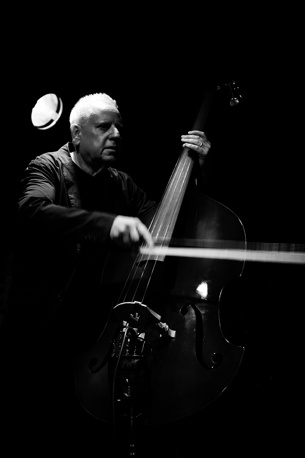 Arnold Dreyblatt & The Orchestra of Excited Strings by Laurent Orseau - Les Ateliers Claus - Brussels, Belgium #5