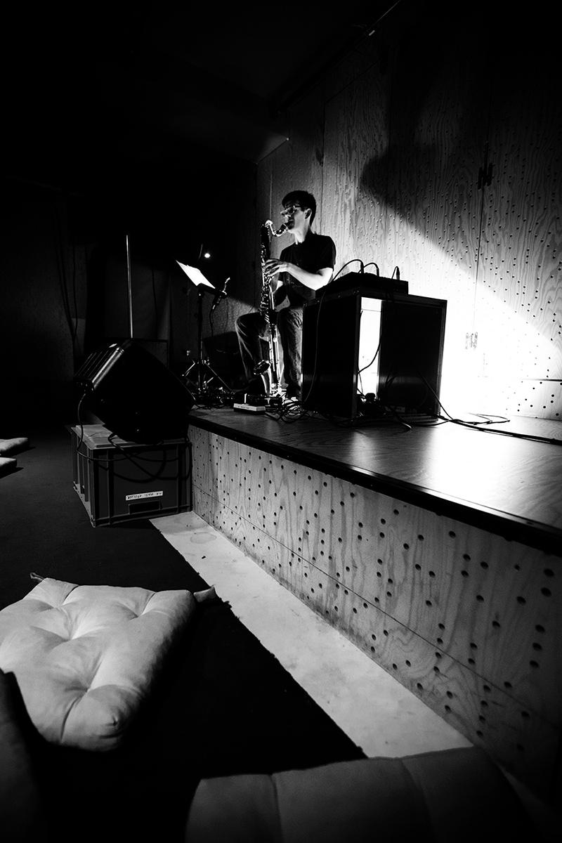 Ben Bertrand by Laurent Orseau - Concert - Les Ateliers Claus - Brussels, Belgium #9