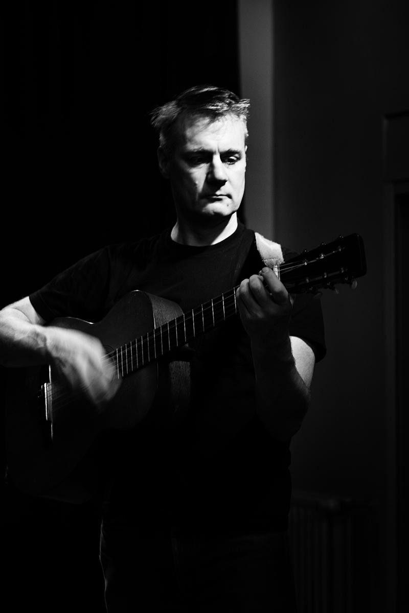 Calvin Johnson by Laurent Orseau - Concert - Maison des Musiques - Brussels, Belgium #6