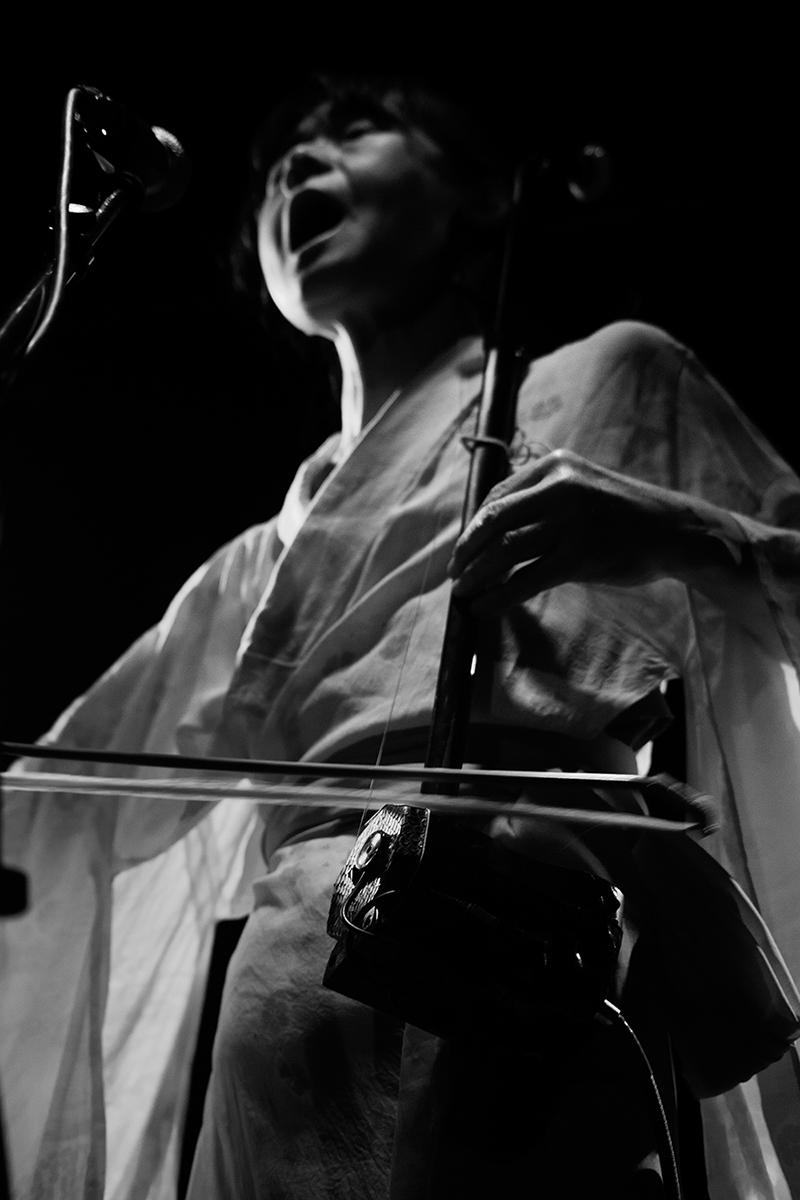 Chie Mukai by Laurent Orseau - Concert - Les Ateliers Claus - Brussels, Belgium #4