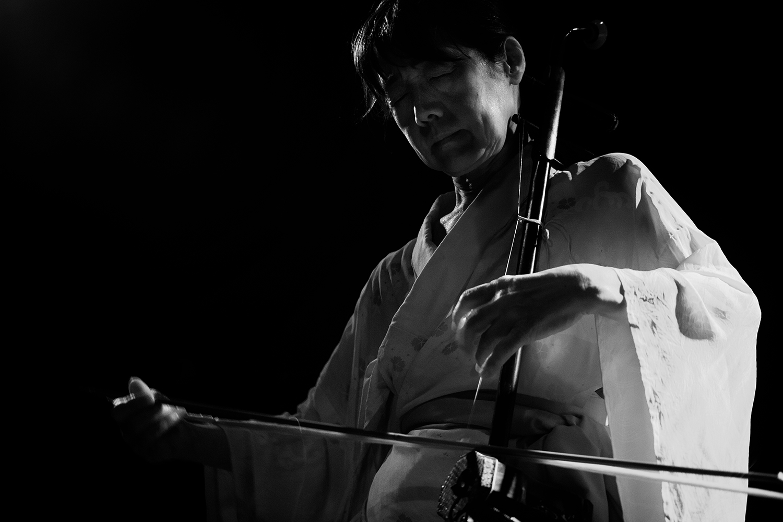Chie Mukai by Laurent Orseau - Concert - Les Ateliers Claus - Brussels, Belgium #5