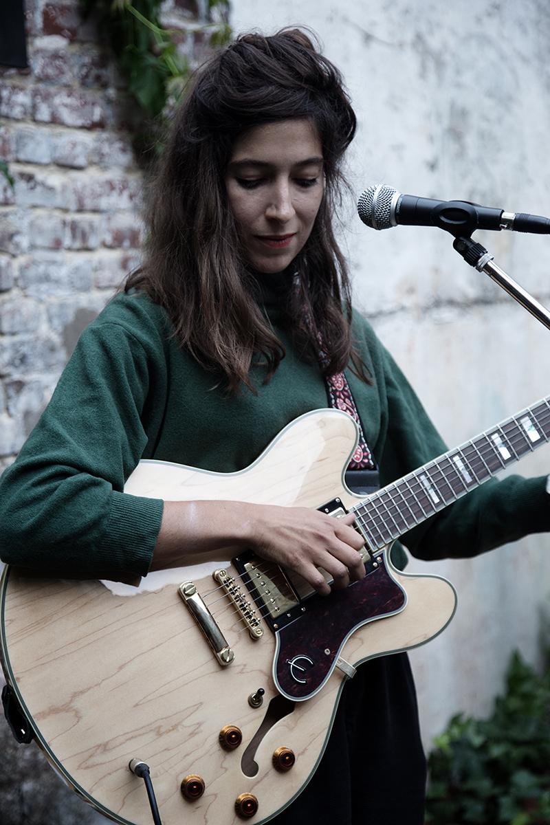 Clare Louise by Laurent Orseau - Musiques de cour - Brussels, Belgium #3