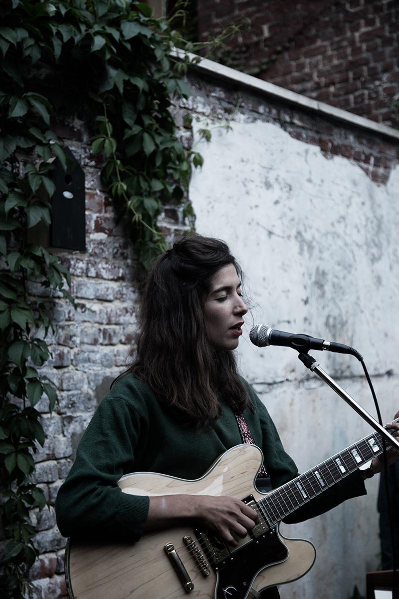 Clare Louise by Laurent Orseau - Musiques de cour - Brussels, Belgium #4
