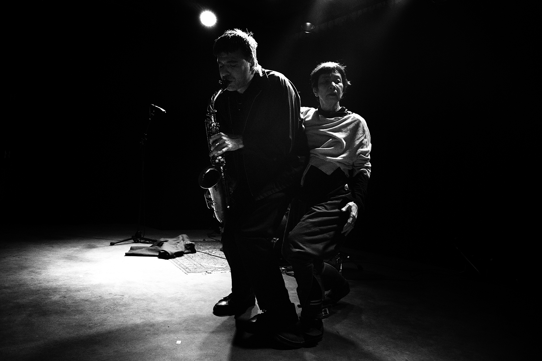 Devin Brahja Waldman with Yoshiko Chuma by Laurent Orseau - Les Ateliers Claus - Brussels, Belgium #15