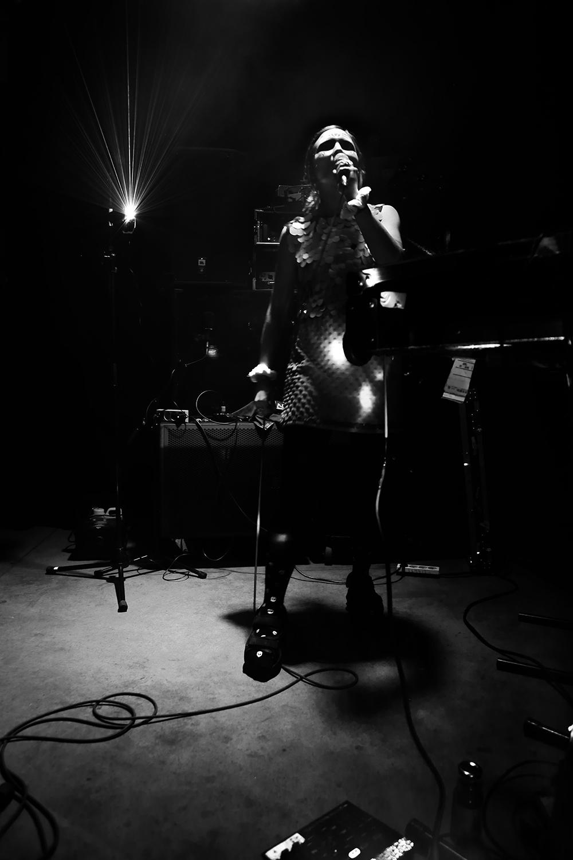 dj. flugvél og geimskip by Laurent Orseau - Concert - Les Ateliers Claus - Brussels, Belgium #11