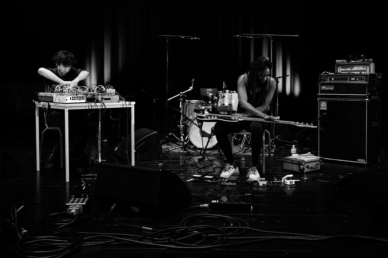 Floris Vanhoof & Farida Amadou by Laurent Orseau - Summer Bummer Festival - De Studio - Antwerp, Belgium #2