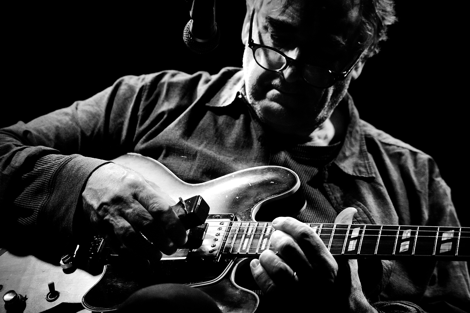 Fred Frith by Laurent Orseau - Les Ateliers Claus - Brussels, Belgium #1