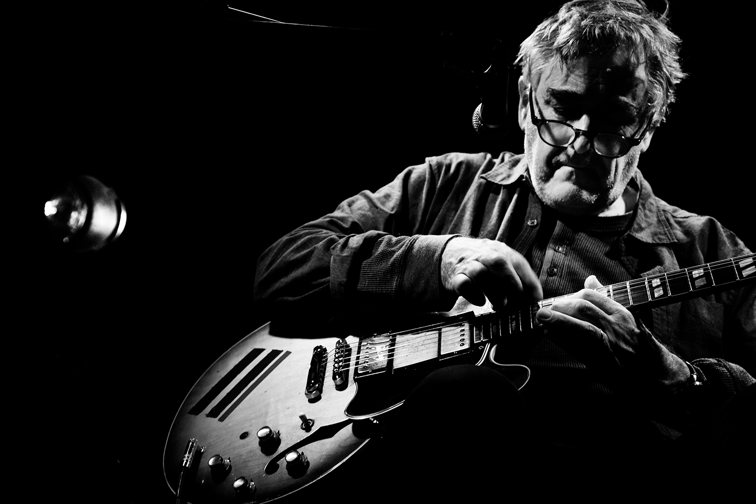 Fred Frith by Laurent Orseau - Les Ateliers Claus - Brussels, Belgium #11