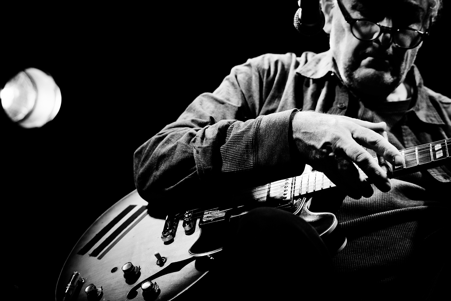 Fred Frith by Laurent Orseau - Les Ateliers Claus - Brussels, Belgium #12