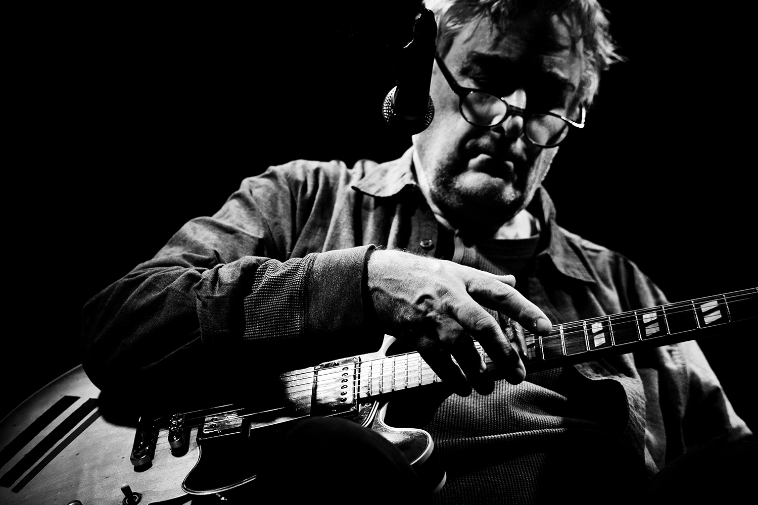 Fred Frith by Laurent Orseau - Les Ateliers Claus - Brussels, Belgium #2