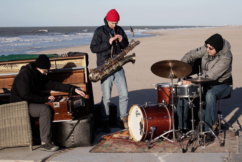 g a b b r o (Hanne De Backer & Andreas Bral & Raf Vertessen) - As We Walk - The Beach - Ostend & Bredene, Belgium