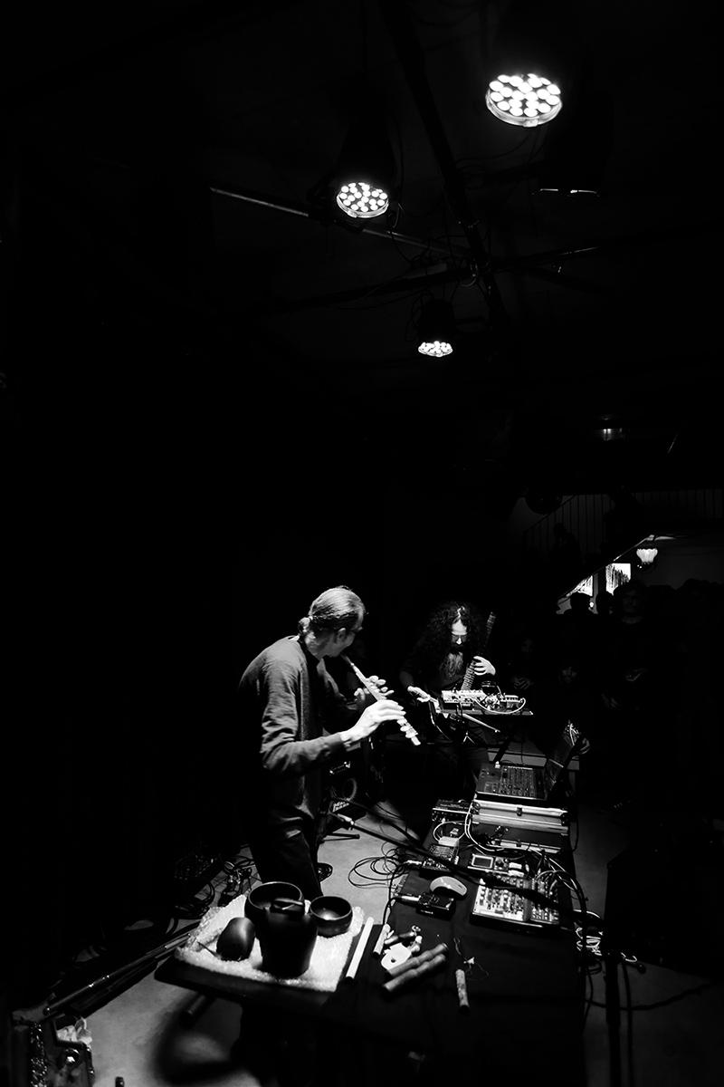 Geoff Leigh & Makoto Kawabata by Laurent Orseau - Les Ateliers Claus - Brussels, Belgium #6