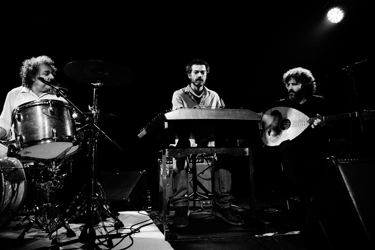 Xylouris White (Giorgos Xylouris & Jim White + Fanis Karoussos) by Laurent Orseau - Les Ateliers Claus - Brussels, Belgium #4