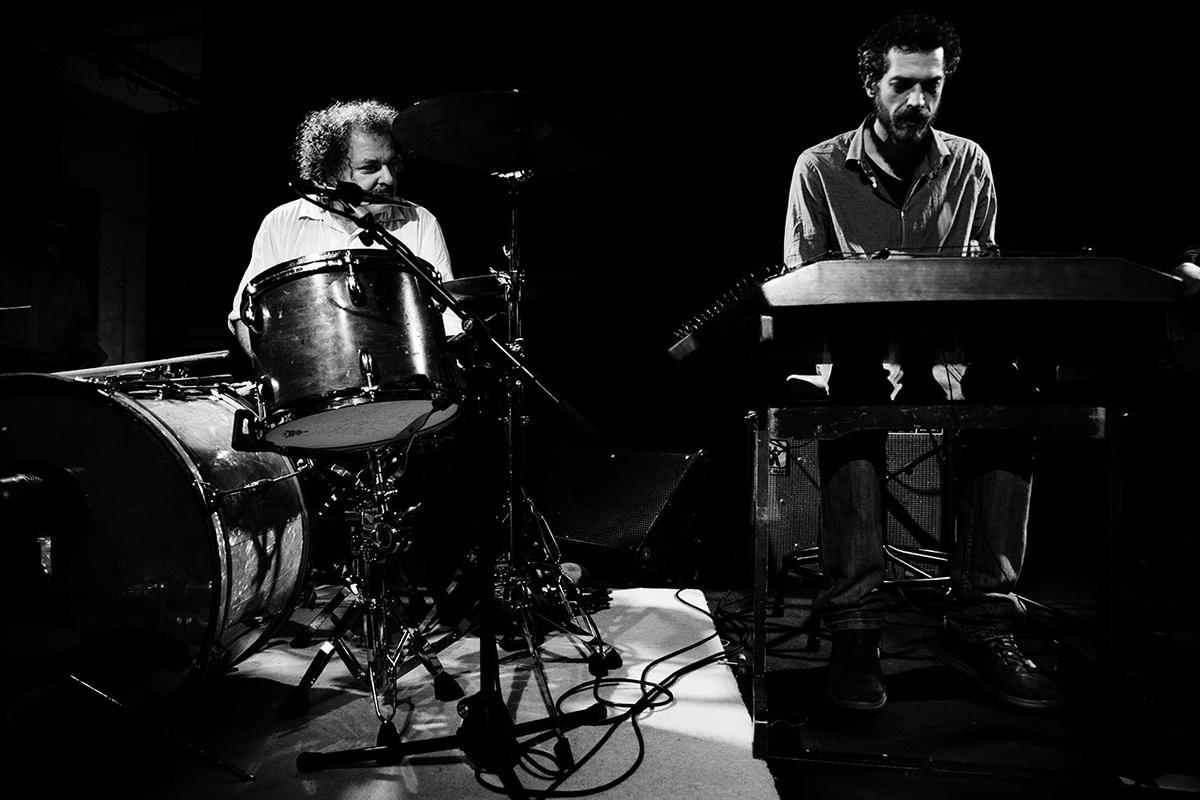 Xylouris White (Giorgos Xylouris & Jim White + Fanis Karoussos) by Laurent Orseau - Les Ateliers Claus - Brussels, Belgium #5