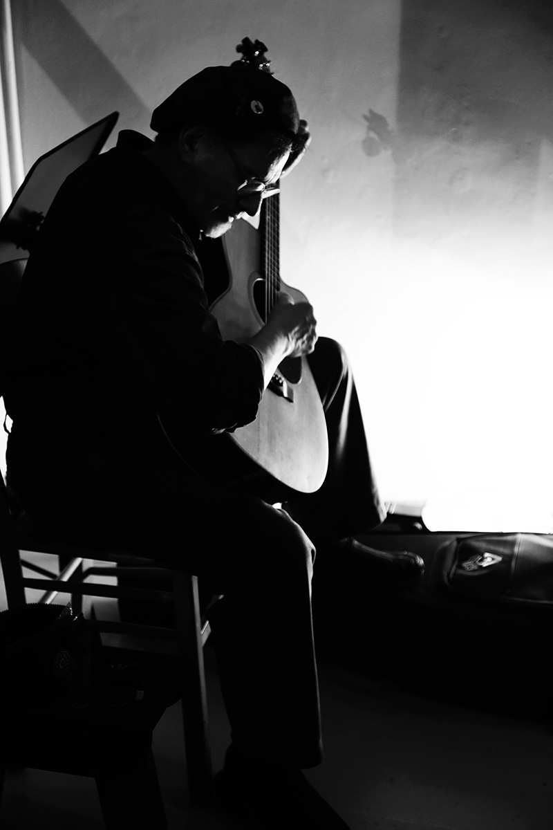 Glenn Jones by Laurent Orseau - Hectoliter - Brussels, Belgium #4