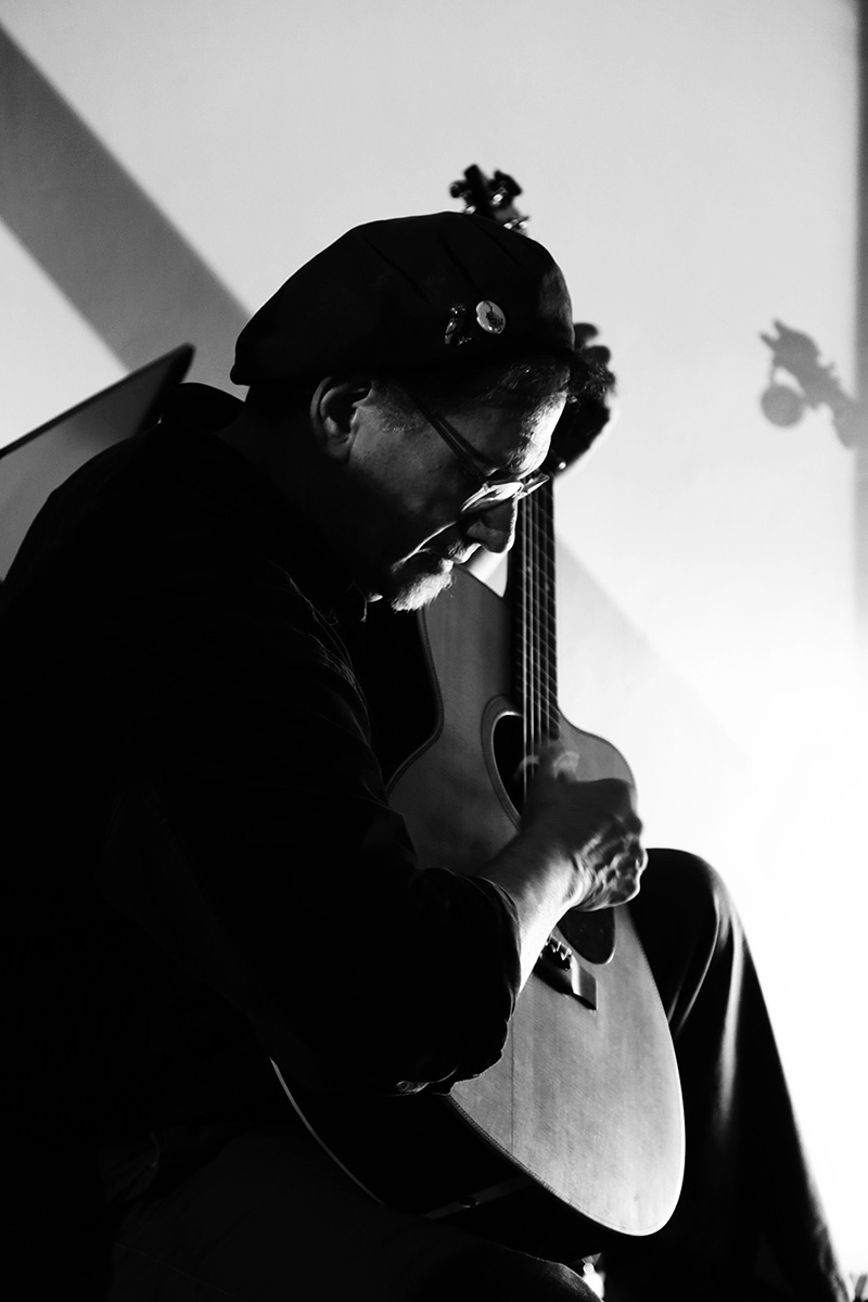 Glenn Jones by Laurent Orseau - Hectoliter - Brussels, Belgium #5