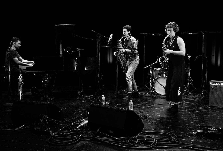 Jonas Cambien & Hanne De Backer & Signe Emmeluth - Summer Bummer Festival - De Studio - Antwerp, Belgium