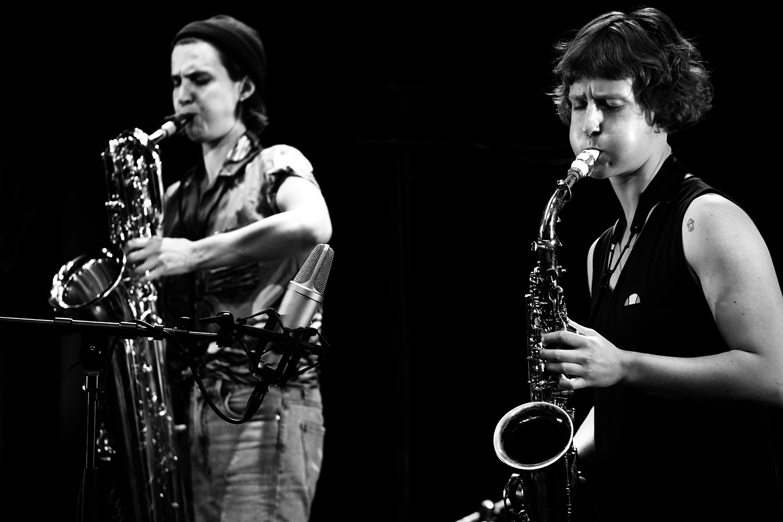 Jonas Cambien & Hanne De Backer & Signe Emmeluth by Laurent Orseau - Summer Bummer Festival - De Studio - Antwerp, Belgium #3