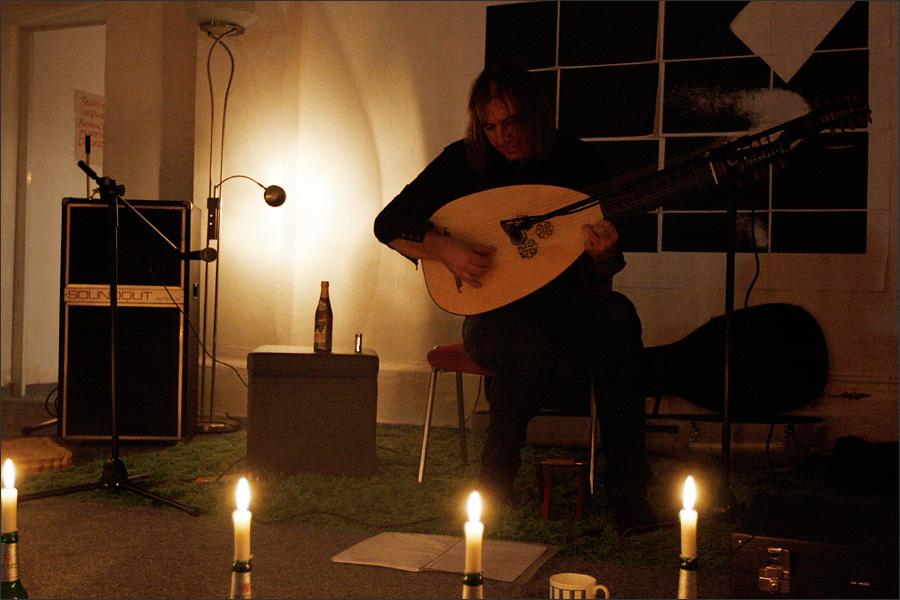 Jozef van Wissem by Laurent Orseau - Walpodenakademie - Mainz, Germany #2