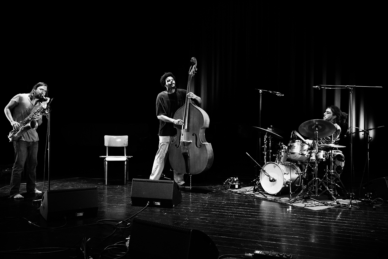 !Mof!Aya! (John Dikeman & Aleksandar Škoric & Luke Stewart) - Summer Bummer Festival - De Studio - Antwerp, Belgium