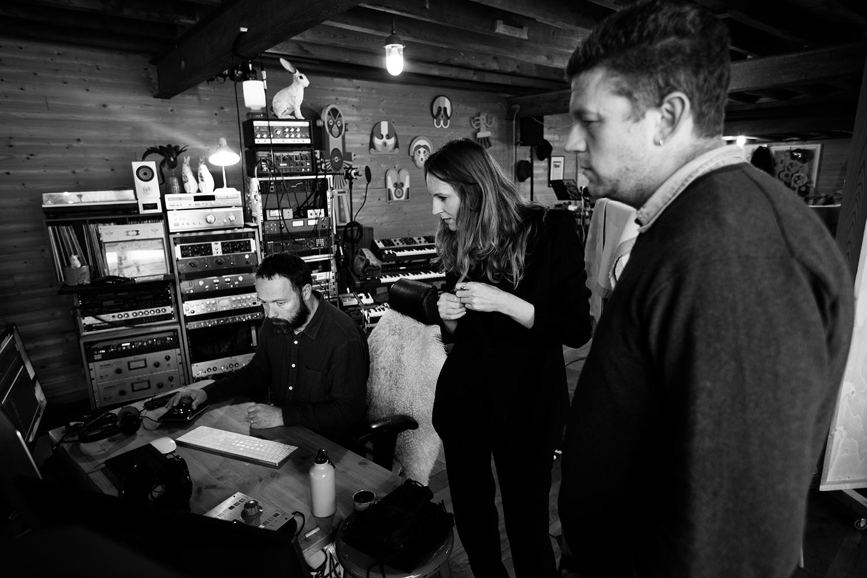 Nel Ponsaers with Frederic Lyenn Jacques & Frederik Meulyzer by Laurent Orseau - Recording - The Rabbit Field - Antwerp, Belgium #15