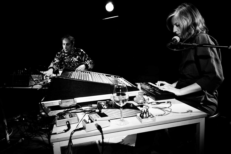 Oren Ambarchi & Crys Cole - Concert - Les Ateliers Claus - Brussels, Belgium