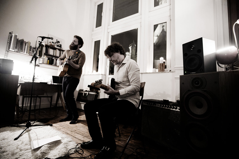 Orso Jesenska by Laurent Orseau - Concert en appartement - Brussels, Belgium #4