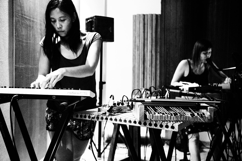Pak Yan Lau & Lynn Cassiers - Fly Music Studio - Brussels, Belgium