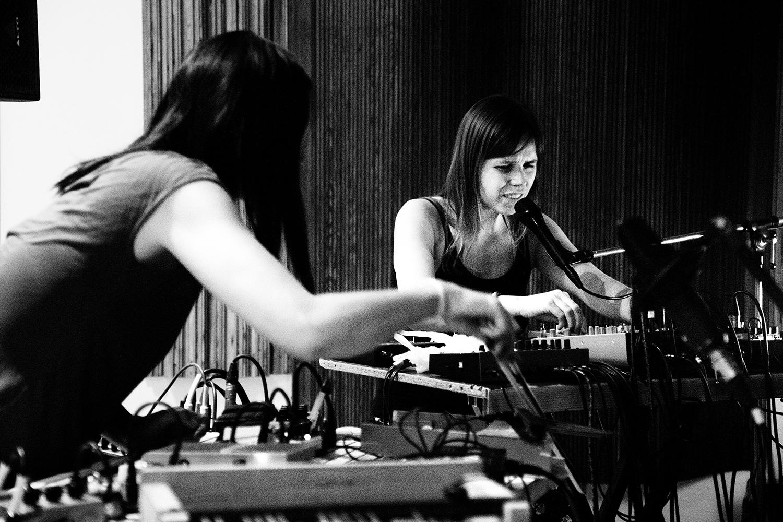 Pak Yan Lau & Lynn Cassiers by Laurent Orseau - Fly Music Studio - Brussels, Belgium #2