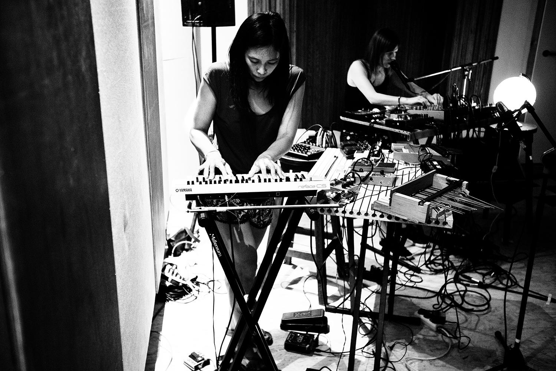 Pak Yan Lau & Lynn Cassiers by Laurent Orseau - Fly Music Studio - Brussels, Belgium #6