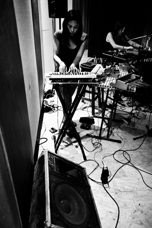 Pak Yan Lau & Lynn Cassiers by Laurent Orseau - Fly Music Studio - Brussels, Belgium #9
