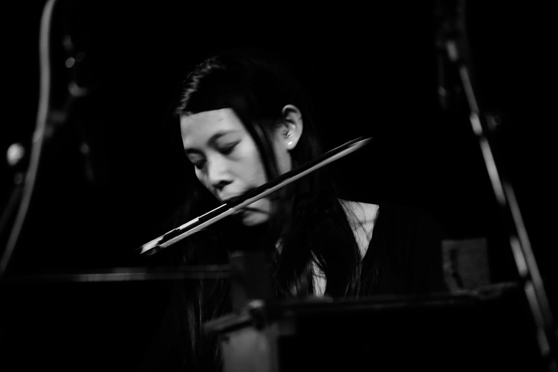 Pak Yan Lau by Laurent Orseau - Concert - Les Ateliers Claus - Brussels, Belgium #11