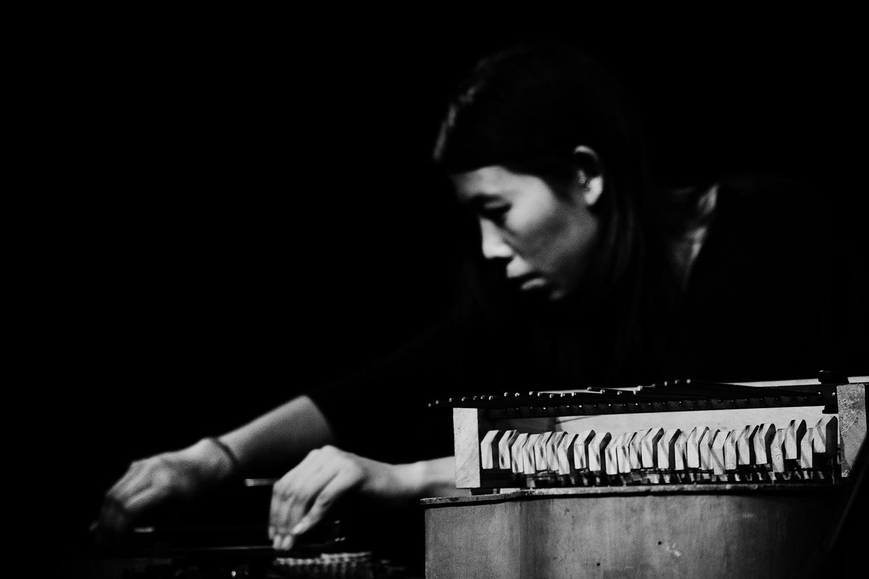 Pak Yan Lau by Laurent Orseau - Concert - Les Ateliers Claus - Brussels, Belgium #16