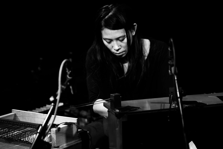 Pak Yan Lau by Laurent Orseau - Concert - Les Ateliers Claus - Brussels, Belgium #4