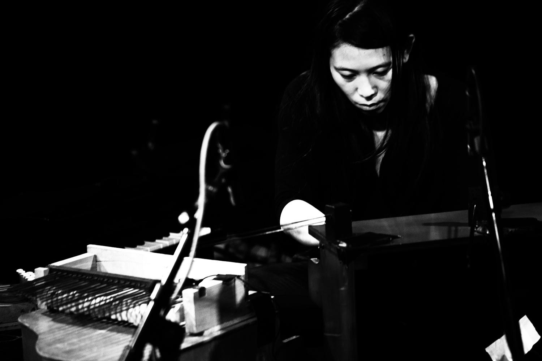 Pak Yan Lau by Laurent Orseau - Concert - Les Ateliers Claus - Brussels, Belgium #5