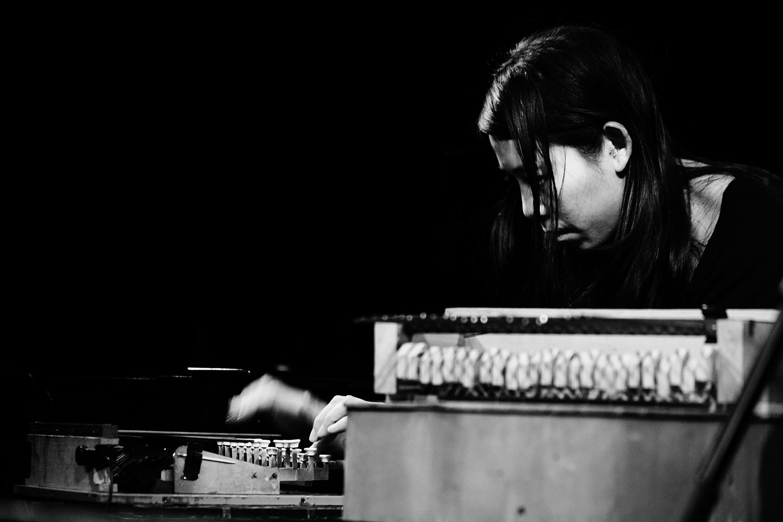 Pak Yan Lau by Laurent Orseau - Concert - Les Ateliers Claus - Brussels, Belgium #9
