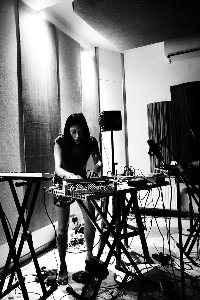 Pak Yan Lau by Laurent Orseau - Fly Music Studio - Brussels, Belgium #4
