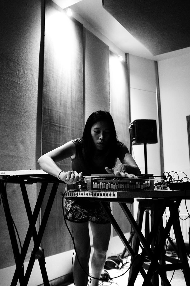 Pak Yan Lau by Laurent Orseau - Fly Music Studio - Brussels, Belgium #6