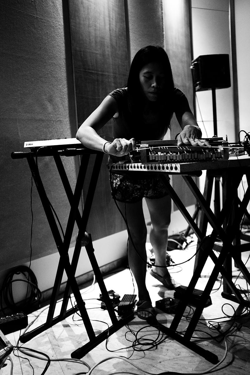 Pak Yan Lau by Laurent Orseau - Fly Music Studio - Brussels, Belgium #7